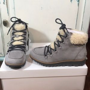 Brand new waterproof lace up boots